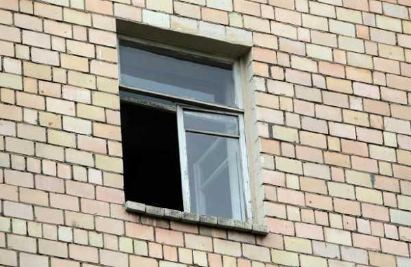 Жена знаменитого московского доктора выпала изокна многоэтажки
