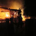 Студент спас семью с ребенком из горящего дома