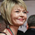 Юлия Меньшова извинилась за пляжное фото в купальнике