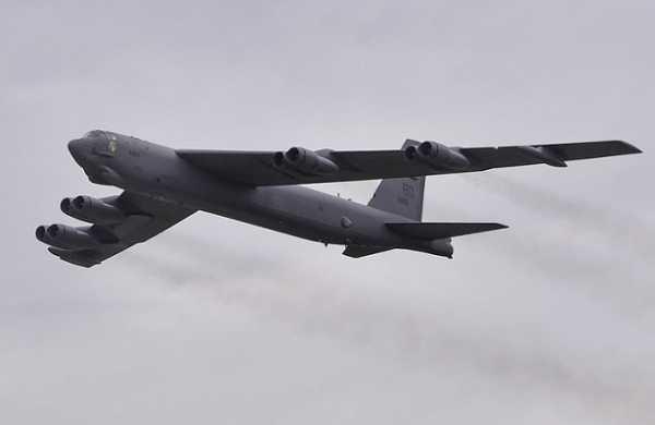 Минобороны зафиксировало пролёт ядерного бомбовоза СШАB-52поблизости границ Рф