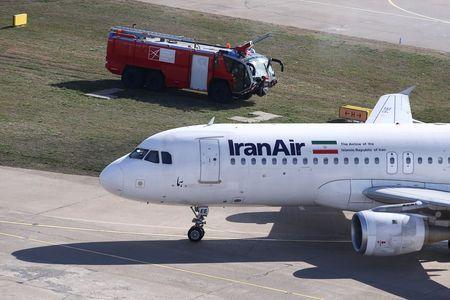 Названа причина возгорания пассажирского самолета вИране
