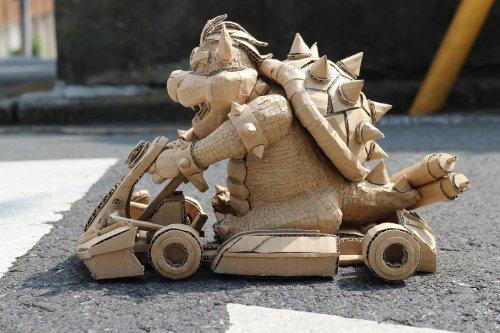Профессиональная японская художница создаёт потрясающие статуи из обыденных картонных коробок (35 фото)