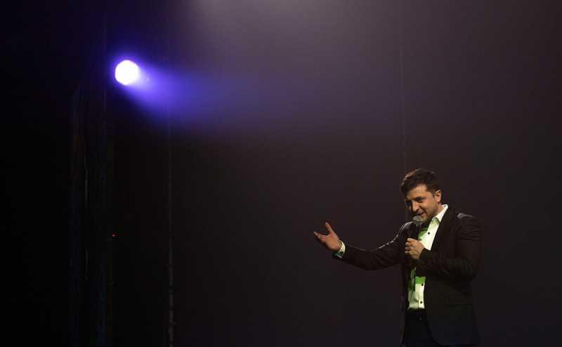 Экзитполы показали победу Зеленского во втором туре с Порошенко