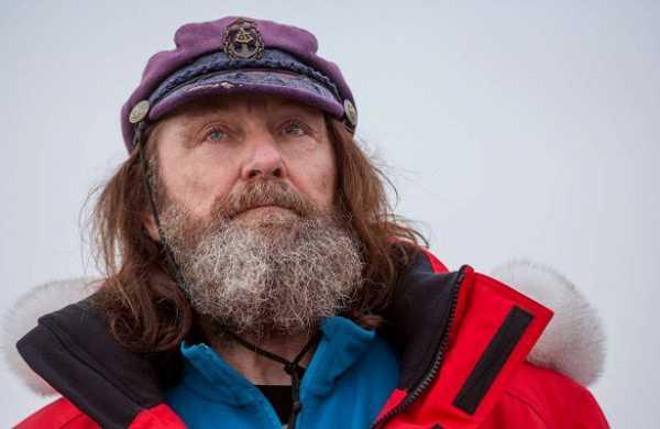Шторм вЮжном океане перевернул лодку путешественника Федора Конюхова