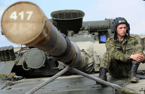 ПодСанкт-Петербургом навидео попал танк Т-80, стреляющий дровами