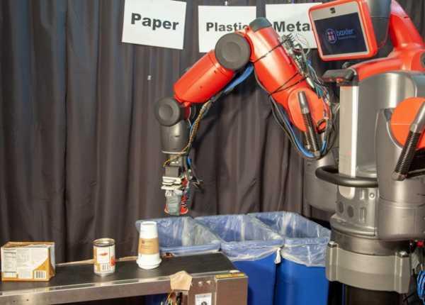 Робот от MIT научился сортировать мусор на ощупь