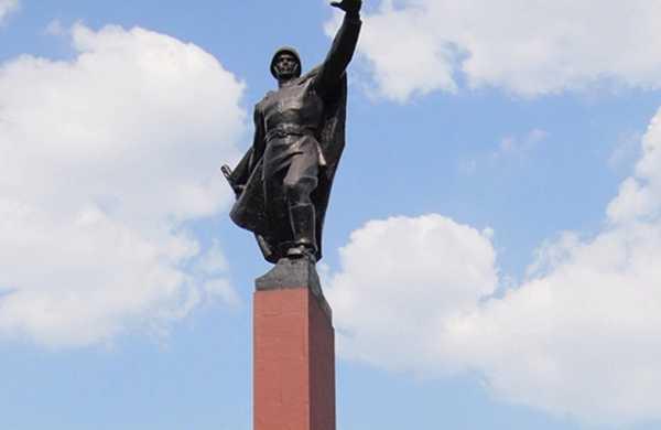 Часть монумента «Победа» обрушилась наУкраине