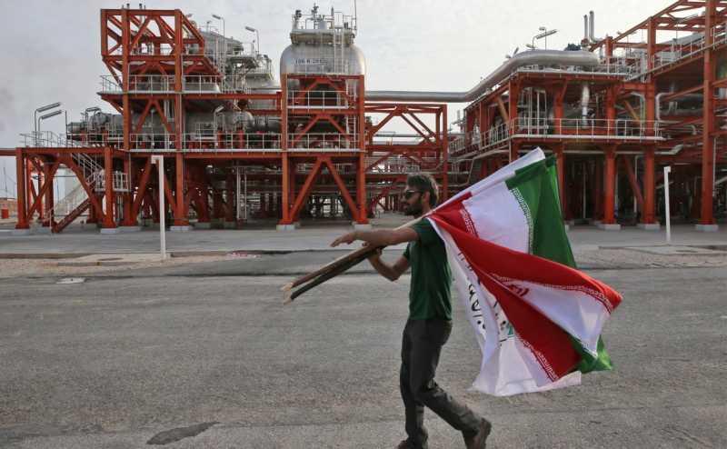 В США решили добиться сокращения иранской нефти на рынке