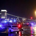 Прогулочный катер с десятками туристов на борту затонул в Будапеште