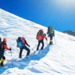 Ученые выяснили, что происходит с организмом альпиниста в «Зоне смерти» на Эвересте