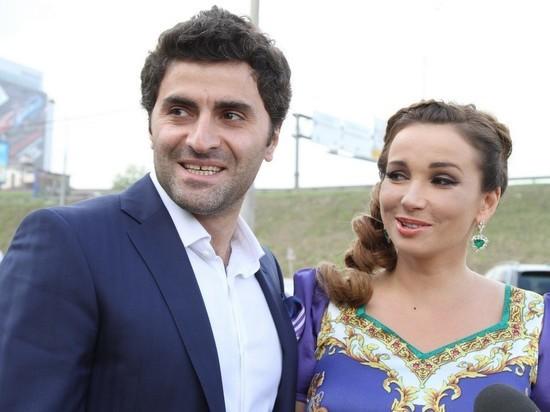 Анфиса Чехова объяснила развод: отпустила мужа к жене в Абхазию