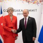 Мэй заявила Путину о невозможности нормализовать отношения России и Британии