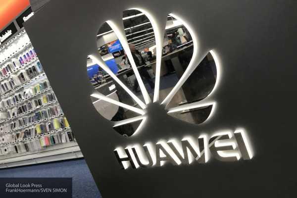 Продажи iPhone в России упали вдвое, продажи Huawei выросли в 2,5 раза
