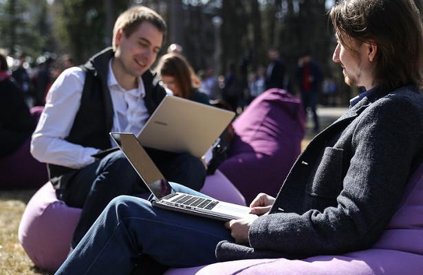 Международная группа исследователей собрала доказательства того, чтоинтернет вызывает необратимые изменения вмозге
