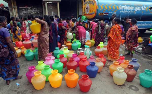 В индийском Ченнаи с населением 9 млн закончилась вода