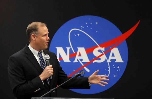 Глава NASA заявил онеобходимости вести поиски жизни наМарсе