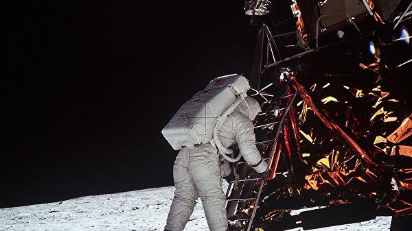 Луна вАризоне, илиКакамериканцы наЗемле кполету готовились