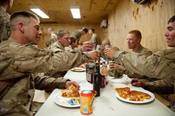 Американских военных захотели посадить надиету